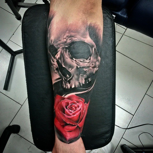 Skull and Rose by Robert